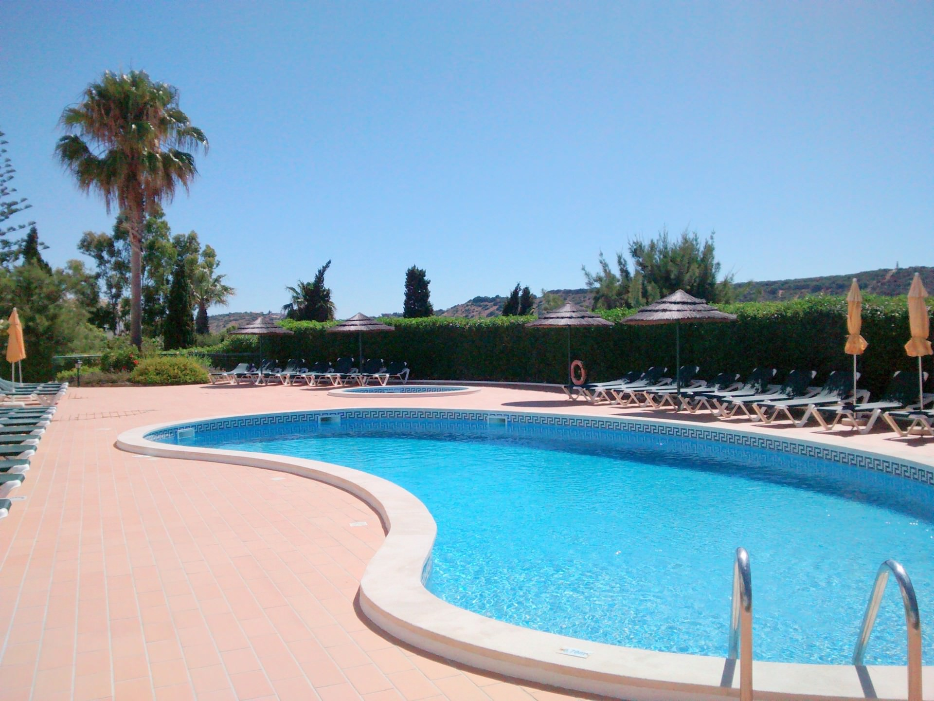 Cristaluz-Pool