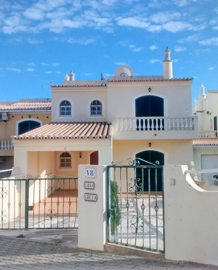 Casa-8-Claudia-House