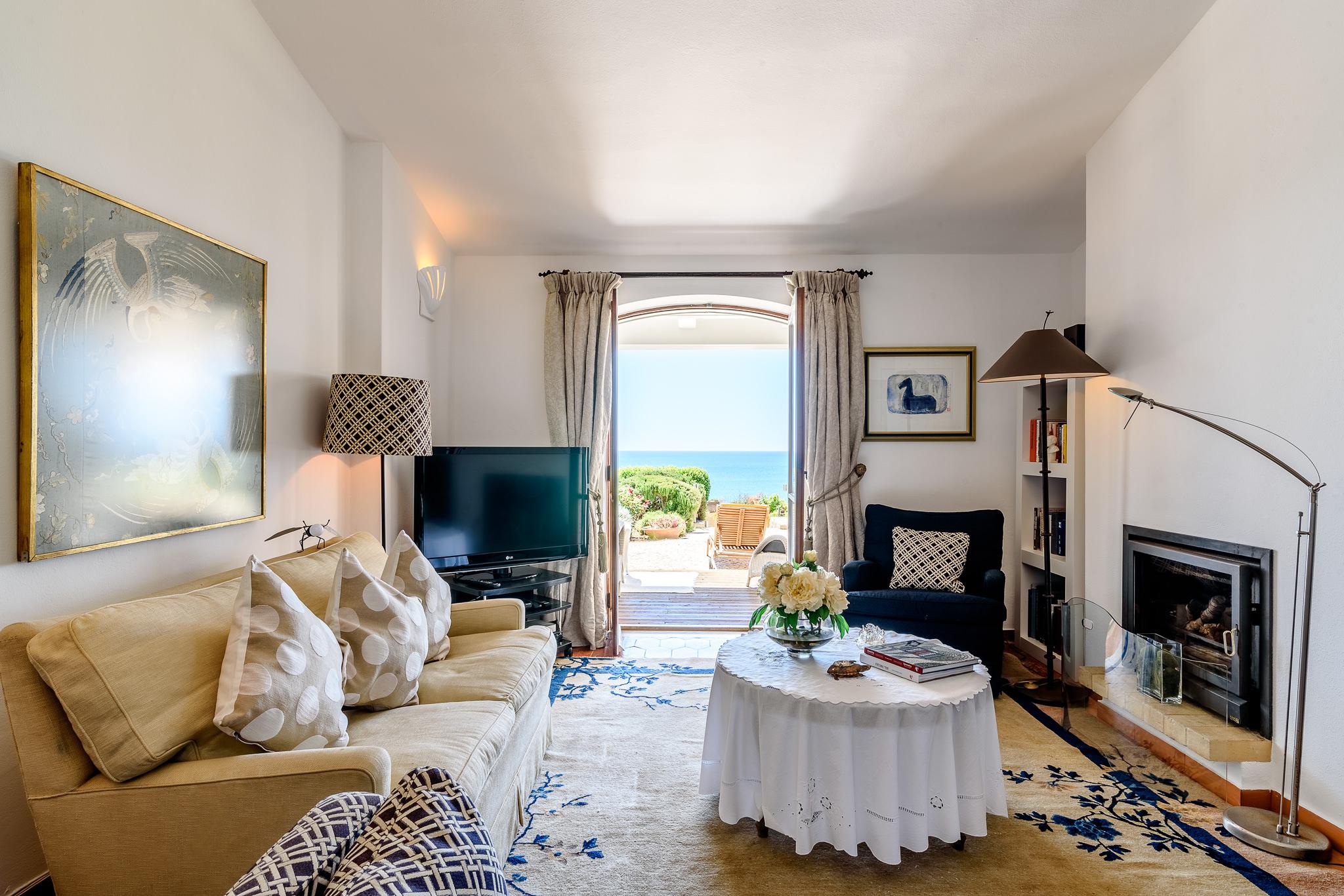 quinta das gaivotas villa living room 3 praia da luz holidays. Black Bedroom Furniture Sets. Home Design Ideas